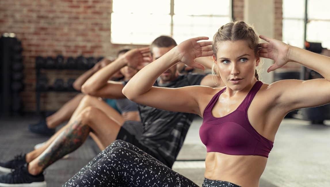 Consejos para comenzar a entrenar en el gym y no morir en el intento